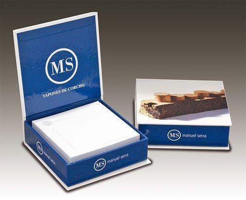 Taco papel en caja cartón compacto